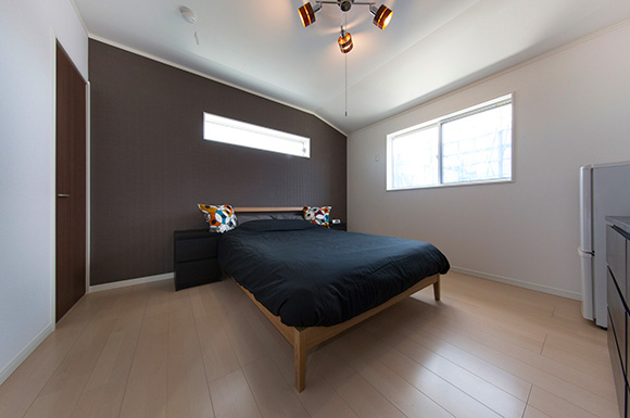 寝室 - 趣味のDJを楽しむ遮音性が高いおしゃれなLDKのある家 - 建築事例 - ヤマダレオハウス