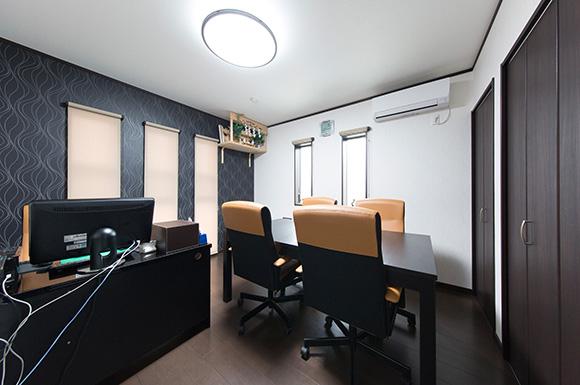 事務所 - 広々としたリビングに家族団らんが広がる二世帯住宅 - 建築事例 - レオハウス