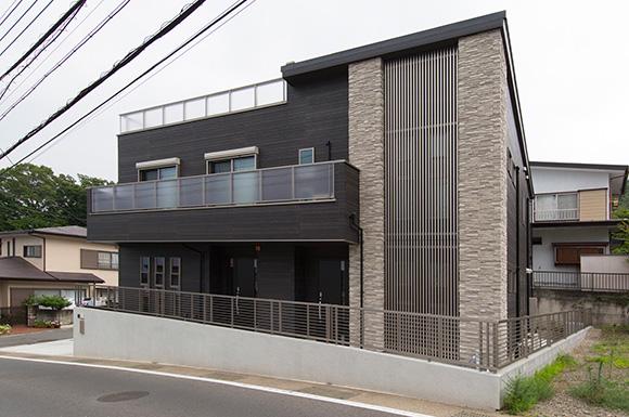 外観 - 広々としたリビングに家族団らんが広がる二世帯住宅 - 建築事例 - レオハウス