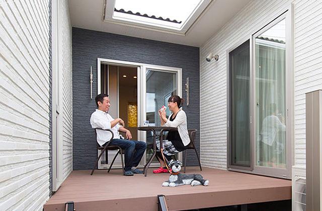 夫婦2人の暮らしをゆったりと豊かに楽しむウッドデッキのある平屋 - 建築事例 - レオハウス