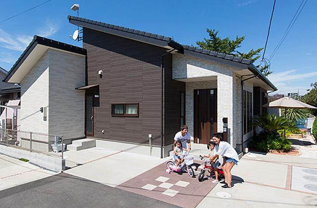 家事導線にこだわった安心して子どもを見守られる平屋 - 建築事例 - ヤマダレオハウス