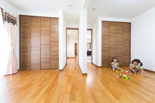 子供室 - 家事導線にこだわった安心して子どもを見守られる平屋 - 建築事例 - ヤマダレオハウス
