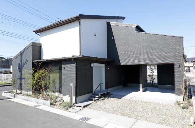 姶良市西餅田にてコンフォートモデル「コンパクト・リッチなすまい」の完成見学会