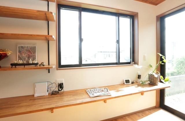 キッチン横のカウンター - 万代ホーム