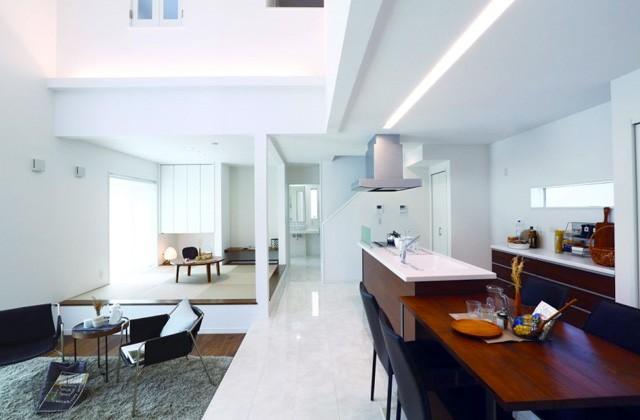 万代ホーム 大理石調フロア&アイランドキッチンのあるデザイナーズハウス「エクセレント中山モデル」(鹿児島市中山)