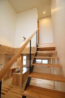 階段 建築事例 マル川建設