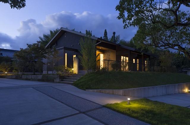 夜の外観 - 丸和建設 建築事例