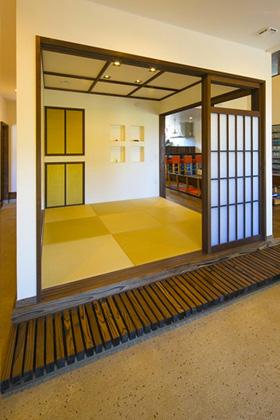 土間と和室 - 丸和建設 建築事例