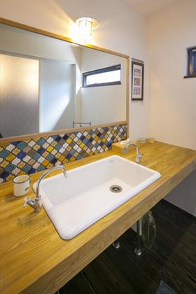 洗面スペース - 丸和建設 建築事例