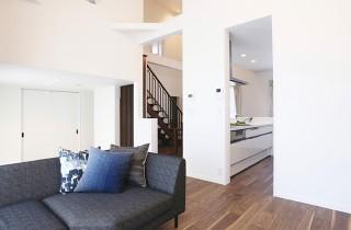 姶良市西餅田 万代ホームの分譲モデルハウス 4LDK+ロフト+土間収納【2階建て】