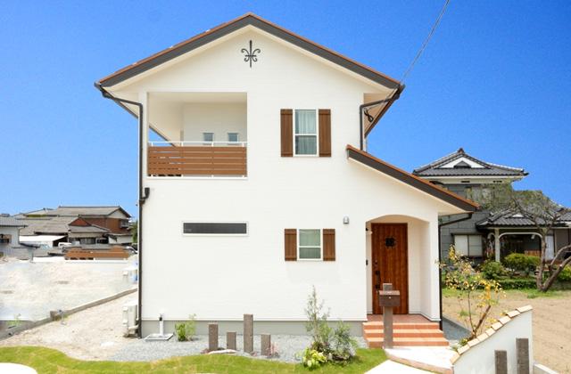 万代ホーム 国分福島クラスクラフツモデル「手作り雑貨の似合うフレンチの家」 (霧島市)