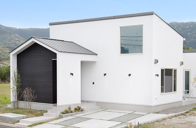 トータルハウジング 天辰モデルハウスI「優しい白と木目が映える『ちょうどいい』が手に入る平屋」(薩摩川内市)