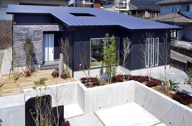 トータルハウジング 平佐モデルハウス G-flat 「中庭を囲むスタイリッシュな平屋」(薩摩川内市)