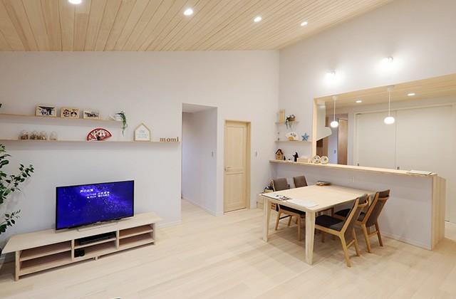 勾配天井で空間をゆったりとったもみの木リビングの家 - もみの木ハウス・かごしま 建築事例