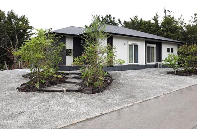 桜島の景観を守るために桜島の風景に溶け込むように建つもみの木の家 - もみの木ハウス・かごしま 建築事例