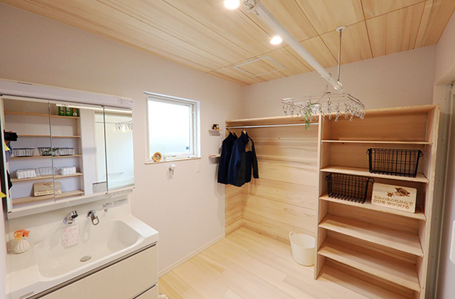 調湿できるもみの木ならでは洗って・干して・しまえる洗面所のある家 - もみの木ハウス・かごしま 建築事例