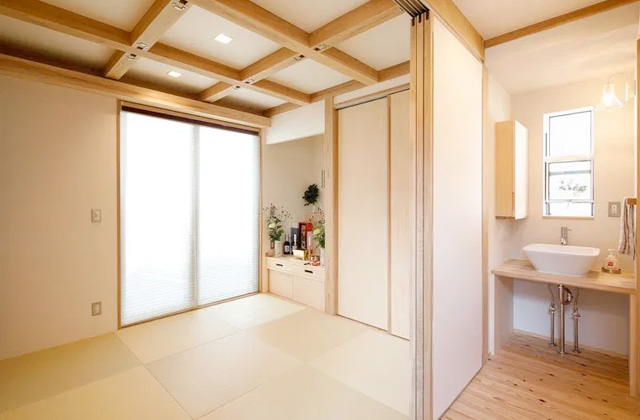 和室 - 自然とつながる開放的かつ快適な2階建ての家 - 建築実例 - MOOK HOUSE