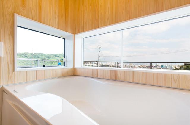 浴室 - のびやかな眺望から桜島を愉しむ住まい - 建築実例 - MOOK HOUSE