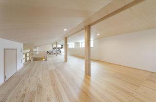ロフト - 木の香りとぬくもり、家族の気配が伝わる住まい - 建築実例 - MOOK HOUSE