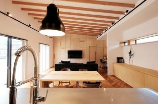 LDK - 建築事例 中池組 色々な素材を使用したカタログハウス