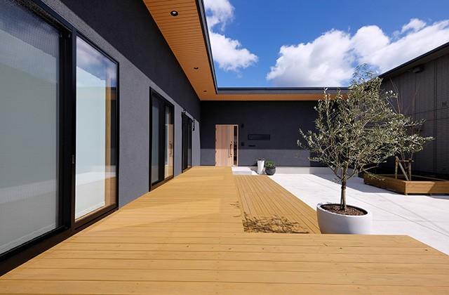 ウッドデッキ - 建築事例 中池組 色々な素材を使用したカタログハウス