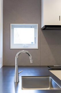 キッチン - シンプルなデザインの中にセンスが光る家 - 建築事例 - 中池組