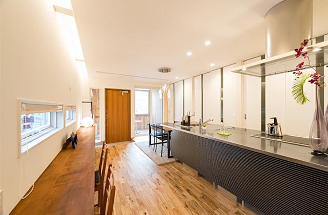 成尾建設 長期優良住宅の基準を遥かに上回る性能「R+house 不思議な箱の家」