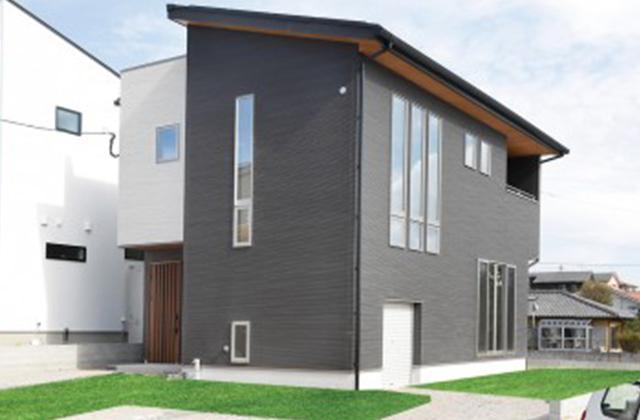 アイリスガーデンモデルハウス(吉野町)「開放感抜群のスキップフロアのリビング」(鹿児島市) ロイヤルホーム