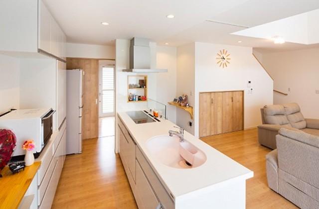 ロイヤルホーム 建築事例 アイランド型キッチン