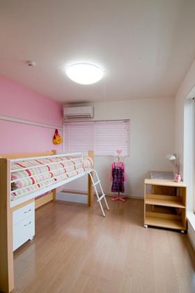 ロイヤルホーム 建築事例 子供室