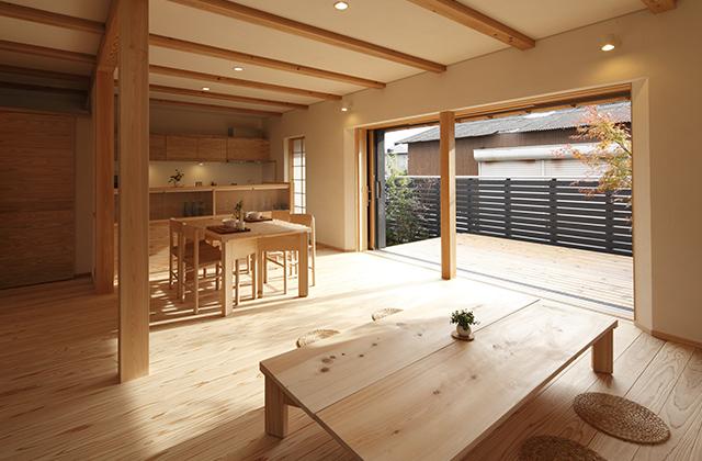 鹿児島の木と薩摩シラス壁を使ったシンプルなデザインで機能的な住まい 住まいず