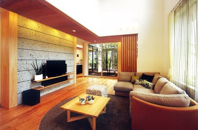 谷川建設 家族の触れ合いの場として開放感あふれるリビングは住む人のライフスタイルを十分に考慮。