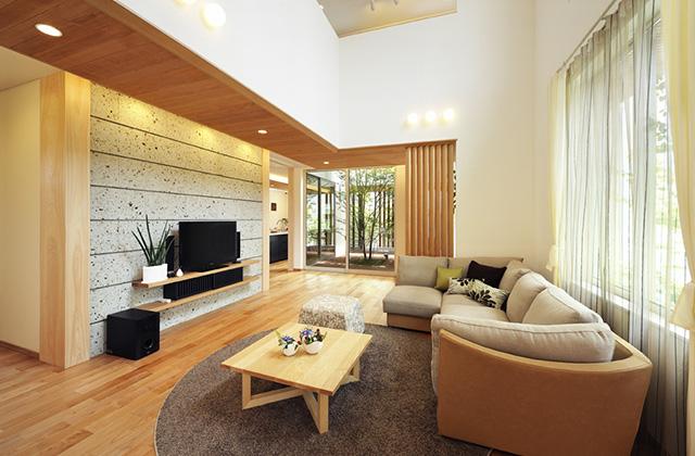 谷川建設 モデルハウス 家族の触れ合いの場として開放感あふれるリビングは住む人のライフスタイルを十分に考慮。