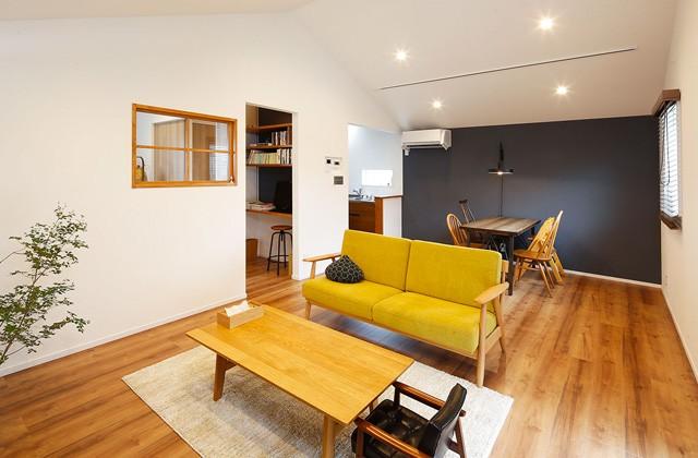 カリモク家具のリビング - トータルハウジング