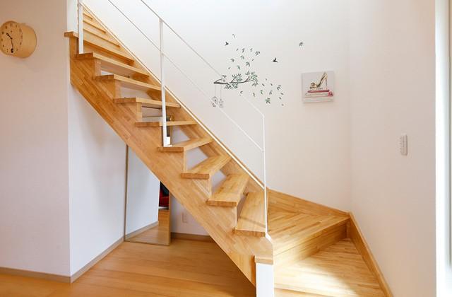階段 - トータルハウジング