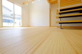 東宝建設 - 天然無垢床