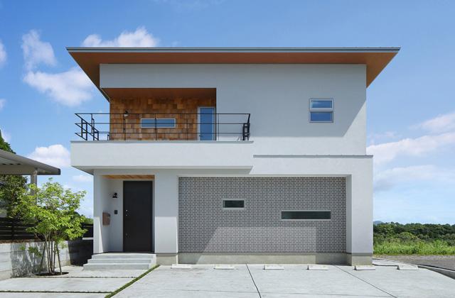 ツマガリハウス リビングから桜島をゆったりと眺める大開口で光あふれる家