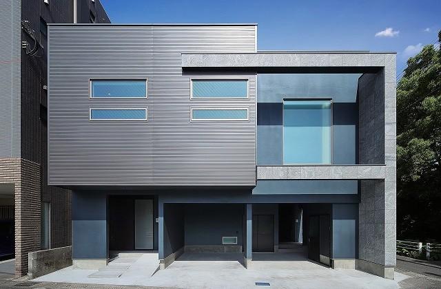 ツマガリハウス 建築事例 スキップフロアで大空間LDKとプライベート空間を区分けした2世帯住宅