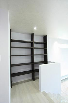 書棚 - ツマガリハウス 建築事例