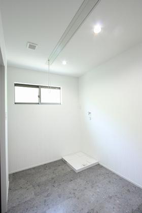 脱衣室 - ツマガリハウス 建築事例
