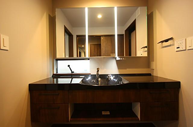 洗面脱衣室 - ツマガリハウス 建築事例