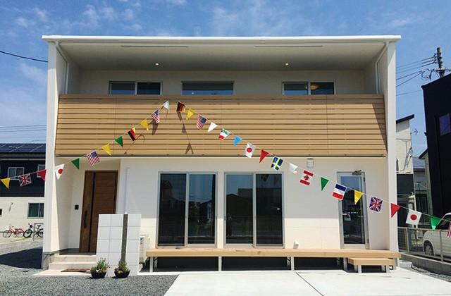 ユニバーサルホーム 地熱床システム&高性能外壁材で安心快適に暮らす中山分譲モデルハウス