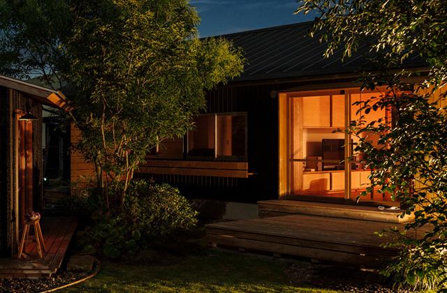ベガハウス 非日常を愉しむ2.5坪の小屋は大人贅沢な離れ