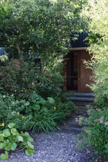 ベガハウス 非日常を愉しむ2.5坪の小屋は大人贅沢な離れ 事例写真04