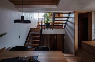 ベガハウス 下荒田の住宅密集地に建つ3階建てのスキップフロア 事例写真02