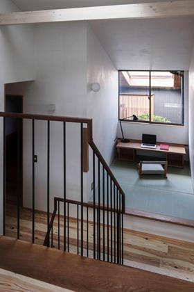 ベガハウス 下荒田の住宅密集地に建つ3階建てのスキップフロア 事例写真04