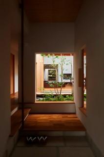 ベガハウス 2つの中庭から光と風と緑を感じるのびやかな家 事例写真04