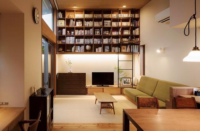 ベガハウス プライベートな庭を家で囲んだ平屋「晴耕雨読の家」