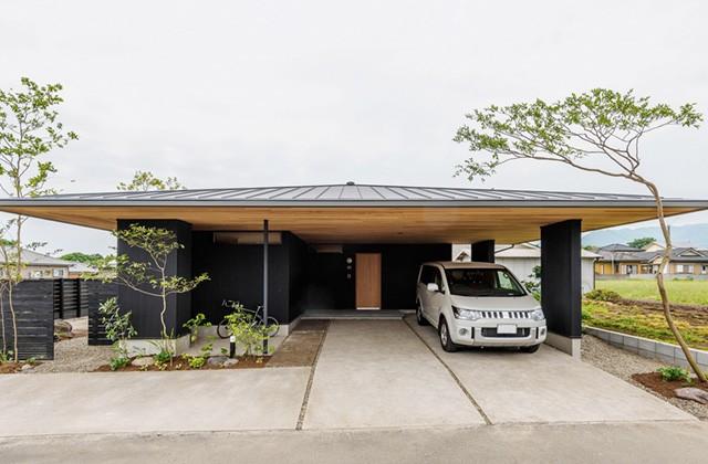 ベガハウス ビルトインガレージのある平屋「雨やどりのFlat house」建築写真1