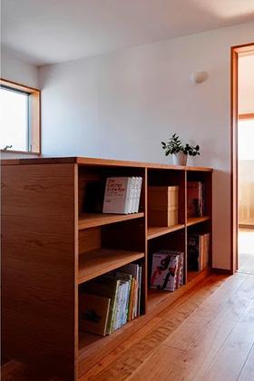 本棚 - ベガハウスの建築事例 見晴らしのよい住宅地に暮らす「丘のいえ」